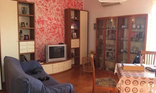 Vendesi appartamento in piccolo condominio a bianco rc for Vendesi appartamento